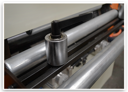 NCF Type NC Servo Roll Feeder For Sheet Thickness: 0.6mm~3.5mm, Pneumatic Release System